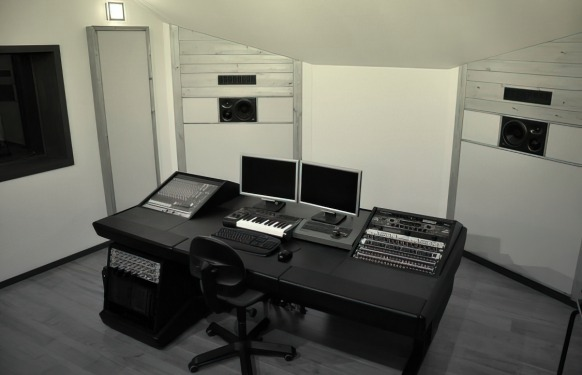 Toneshed recording studio helios pro audio solutions haarlem - Studio meubels ...